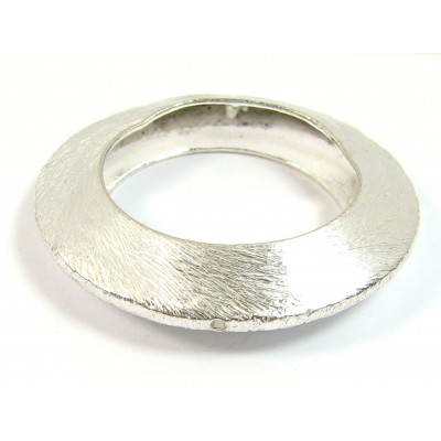 1 Large Brushed Plated Silver 2-Hole Window Link