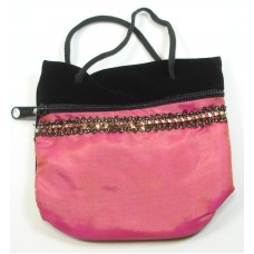 1 Zipped Velvetine Pouch