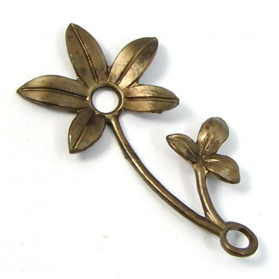 1 Vintaj Antiqued Brass Flower Sprig