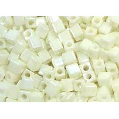 25gr Miyuki Cube Beads Vanilla Ice